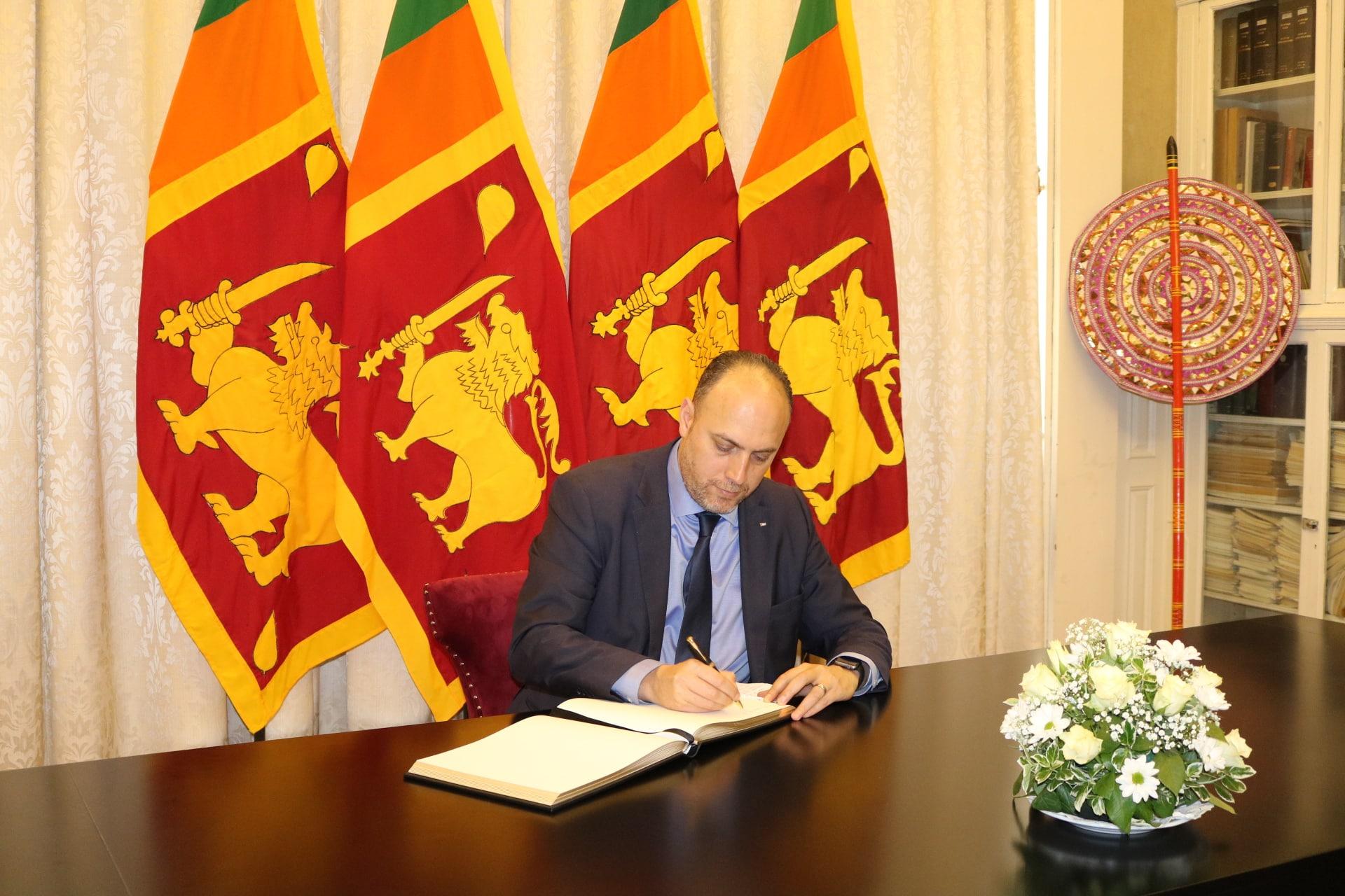 Dr Zomlot offers condolences to Sri Lankan counterpart over terrorist attacks